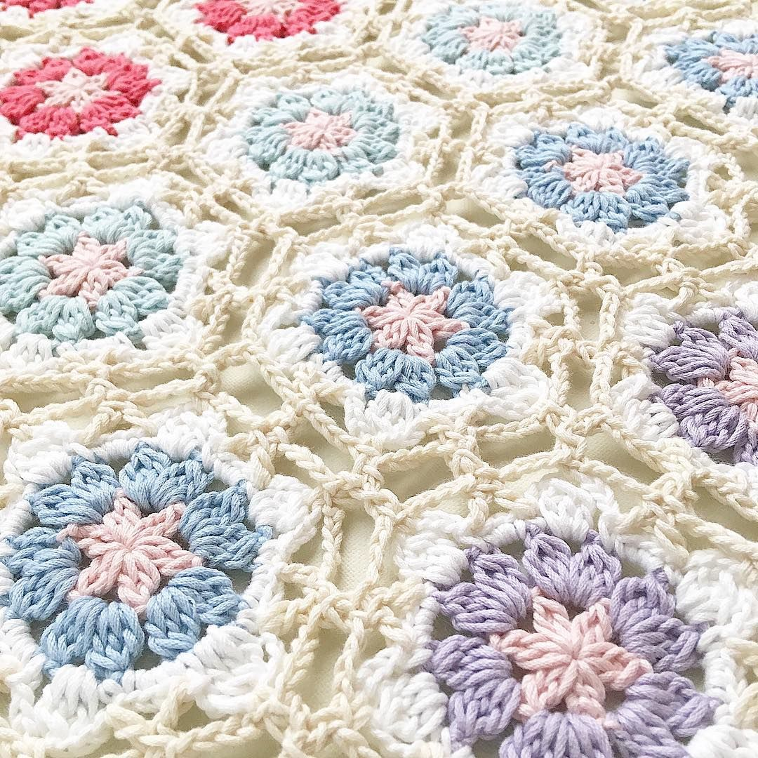 flower | | crochet | | Pinterest | Manta afgana, Manta y Puntos crochet