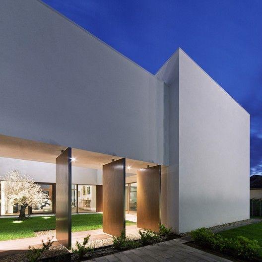 Smallhouse Exterior Ideas: Villa In Debrecen / Archiko Kft.