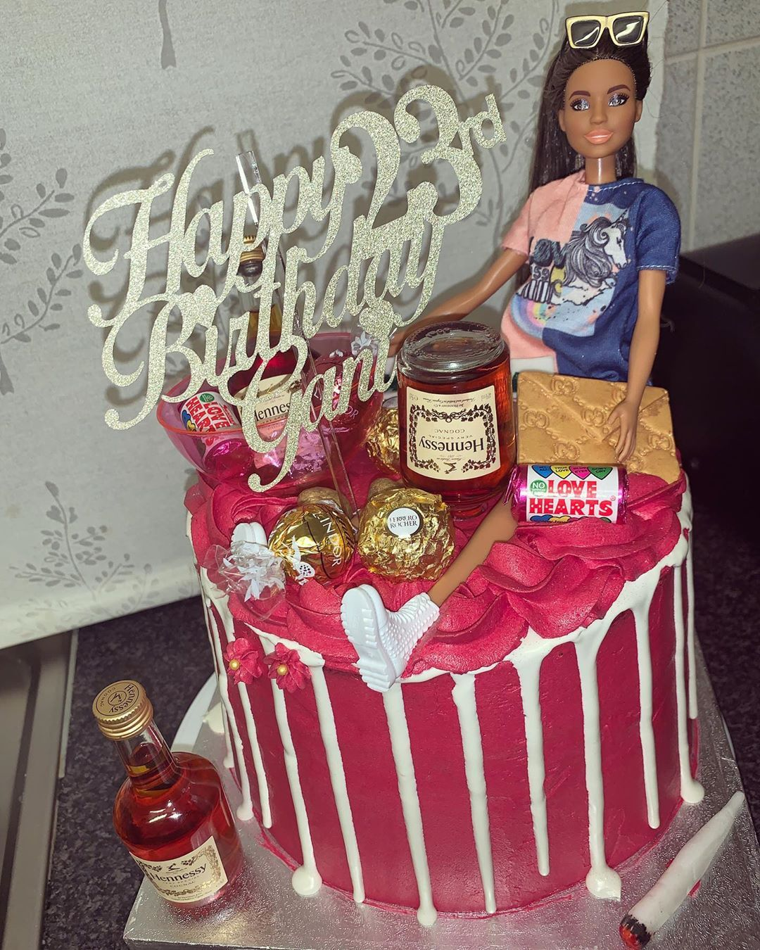 ✔pictame webstagram 🔥🔥🔥 Instagram post by @lavishcakesx | Barbie living her best life 😝💁🏽♀️ • • | 🔥GPLUSE.CLUB