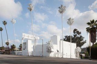French Artist Whitewashes an LA Motel � Design News