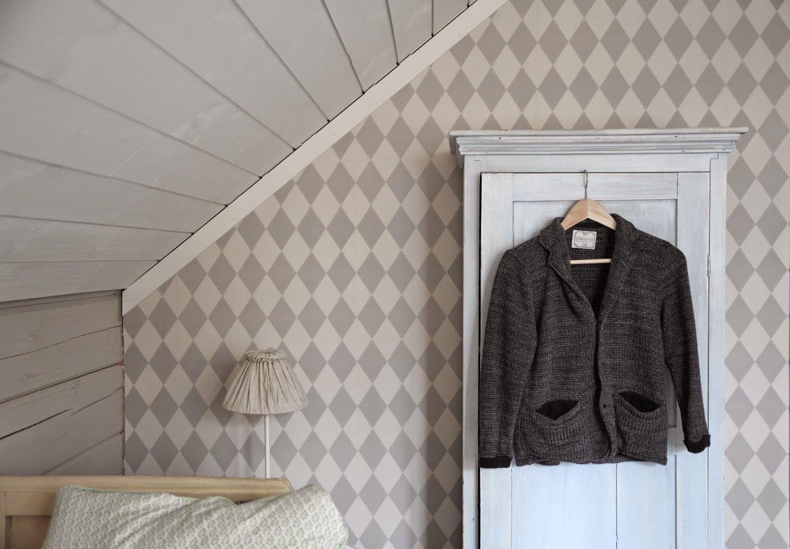 P o mpeli: A young man's attic room