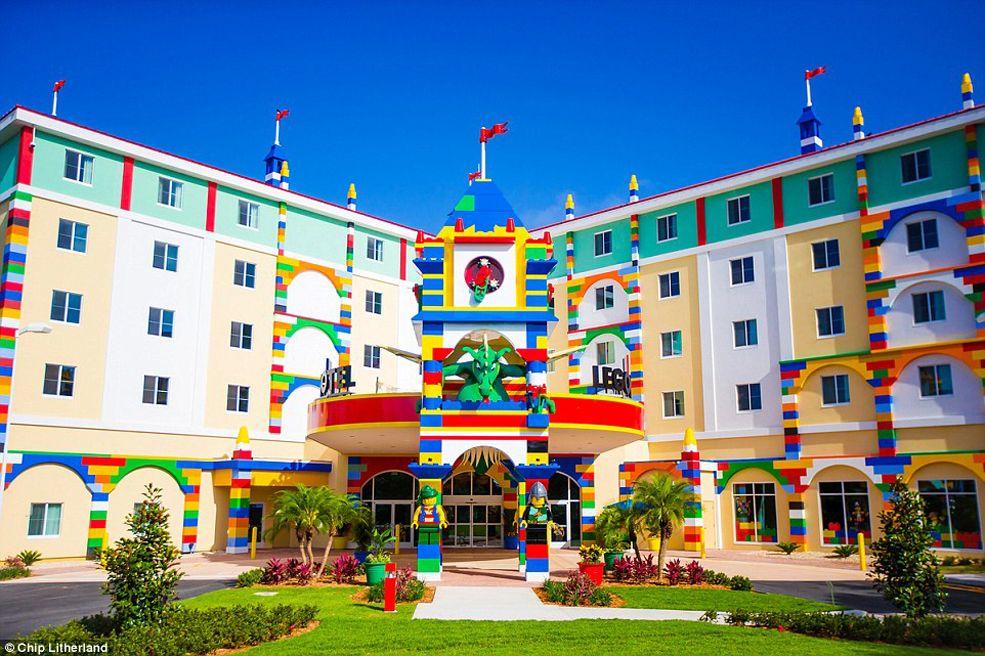 A LEGO Themed Hotel Opens Up At LEGOLAND | Legoland, Awesome lego ...
