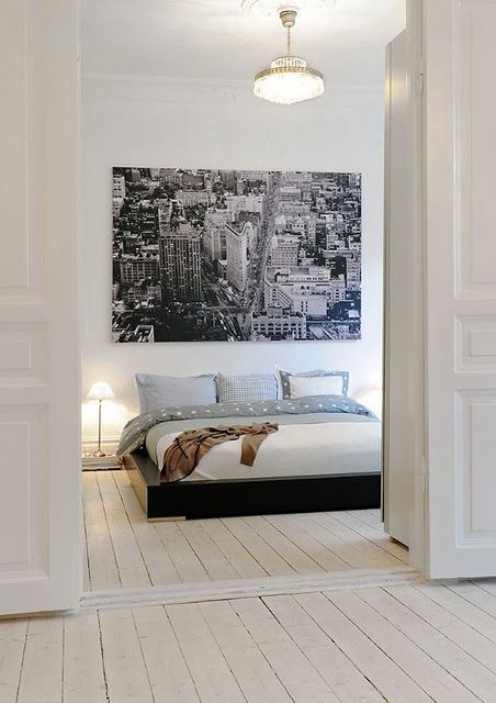 those floors... and the picture on the wall..
