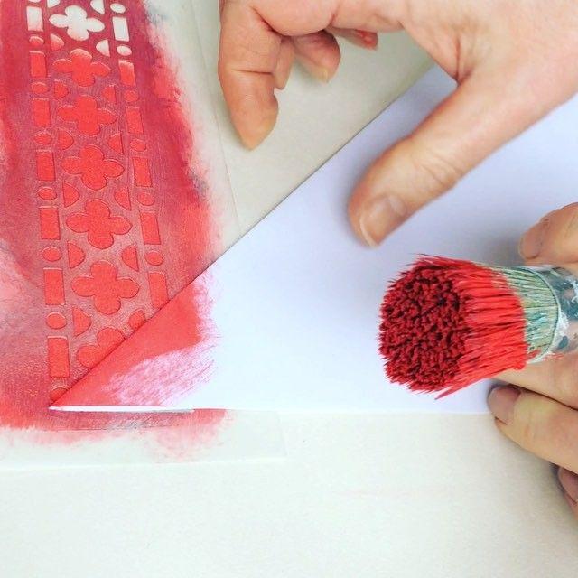 How to stencil a mitred corner using a paper mask. #stencil #nicolettetabramstencils #paintedfurniture