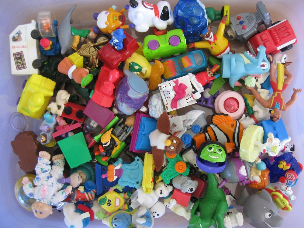 Fast Food Toys : Fast food toys premiums lot of over pieces s