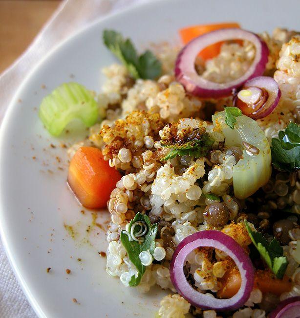 Francesco Tramontano – Quinoa speziata con lenticchie   http://www.ilpastonudo.it/chef-consapevoli/francesco-tramontano-quinoa-speziata-con-lenticchie/