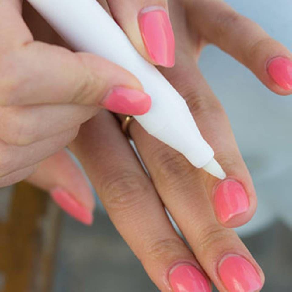 mit diesen tricks gelingt das n gel lackieren perfekt fingern gel lackieren n gel lackieren. Black Bedroom Furniture Sets. Home Design Ideas