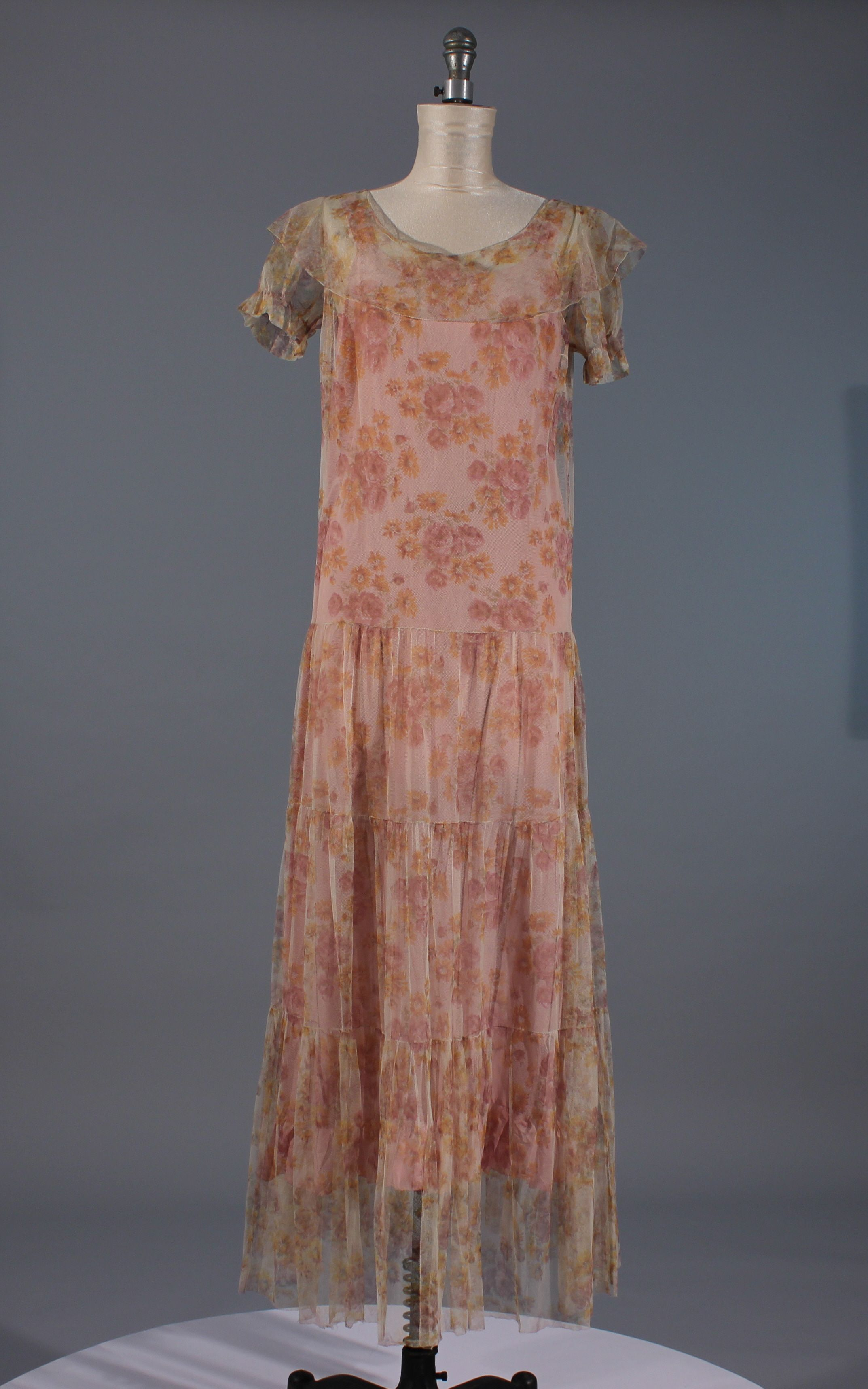 1930s gown | Dotty and Betty | Pinterest | 1930s, Gowns and Vintage ...