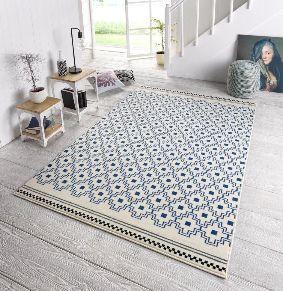 Design Teppich Capri Ornamente Blau Bestehend Aus Dem Pfelegleichten Material 100 Polypropylen Onloom Teppic Teppich Teppich Online Kaufen Moderne Teppiche