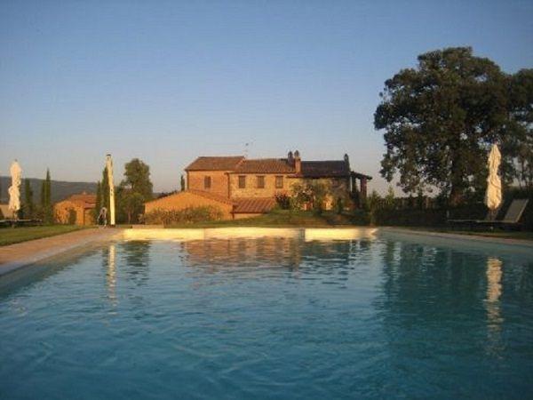 #B&B  with #swimmingpool to sell www.villainversilia.it