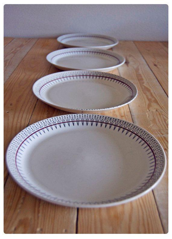 Norwegian Design Plates Retro Style A Set Of 4 By Oldandcold Norwegian Design Scandinavian Ceramic Plates