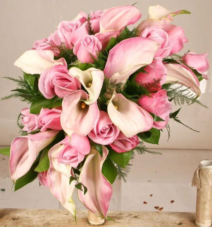 Asymmetrische erröten Brautstrauß-Flora D & # 39; Amore von Stadium Flowers - #Amore #asymmetrische #BrautstraußFlora #erröten #flowers #Stadium #von #brautblume
