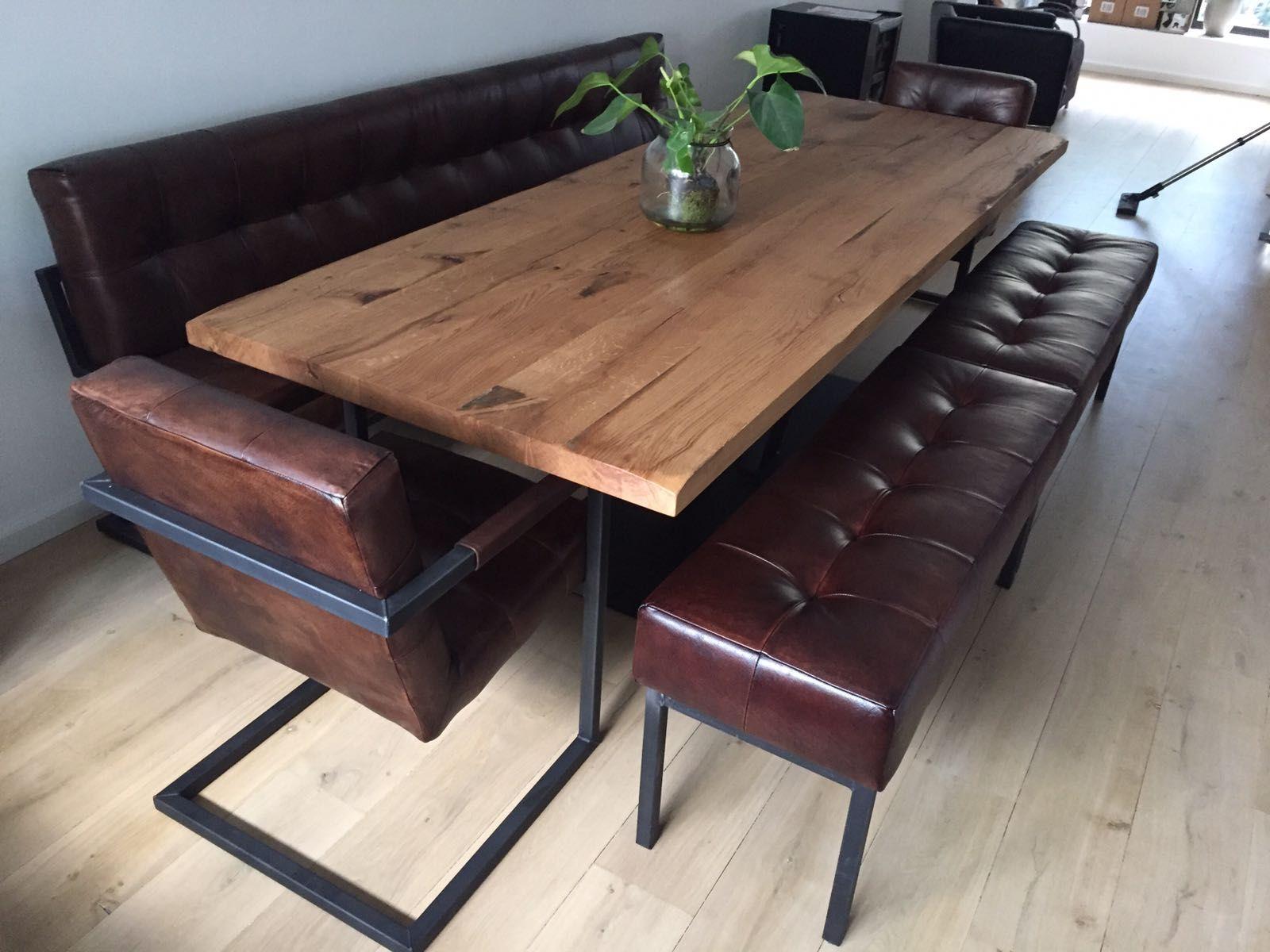 Mooie eetkamerset met tafel stoel en bijpassende bankjes wil jij