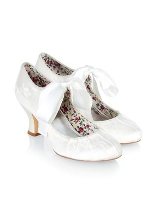My Wedding Shoes Our Vintage Inspired Izabela Bridal Are Covered In Lace And Adorned With Tie Up Satin Bows Softly Cushioned Footbeds Ensure A