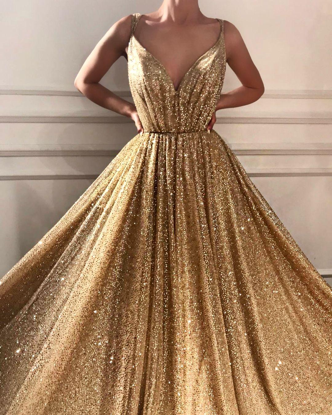 teutamatoshiduriqi  Inspiration  Goldenes kleid, Kleider und