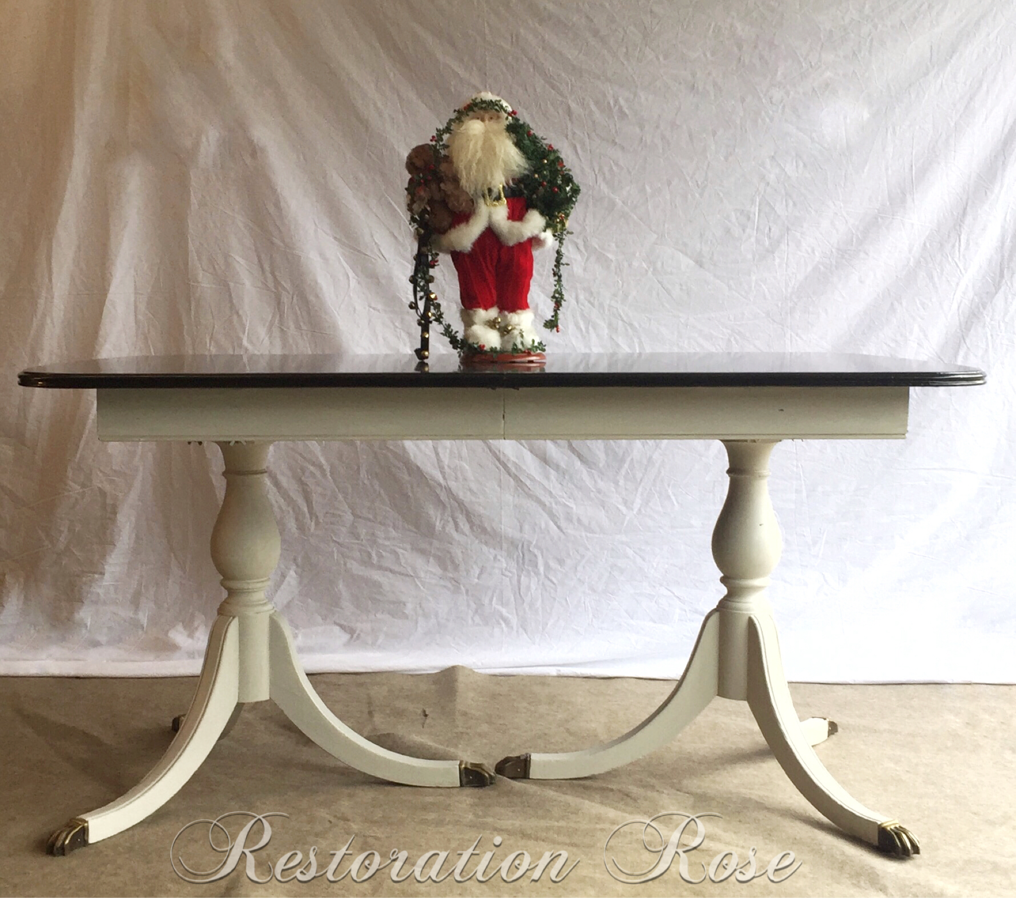 275 Antique Rockford Republic Furniture Co. dining table