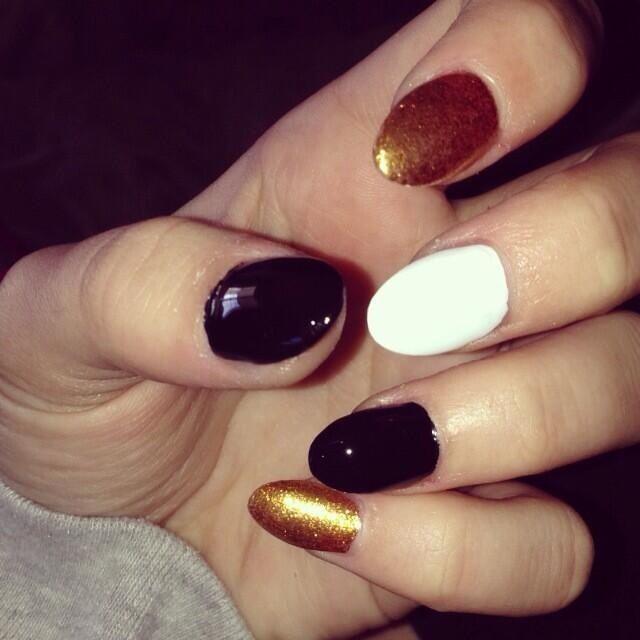 Black White And Gold Nails Gold Nails Makeup Nails Nail Designs