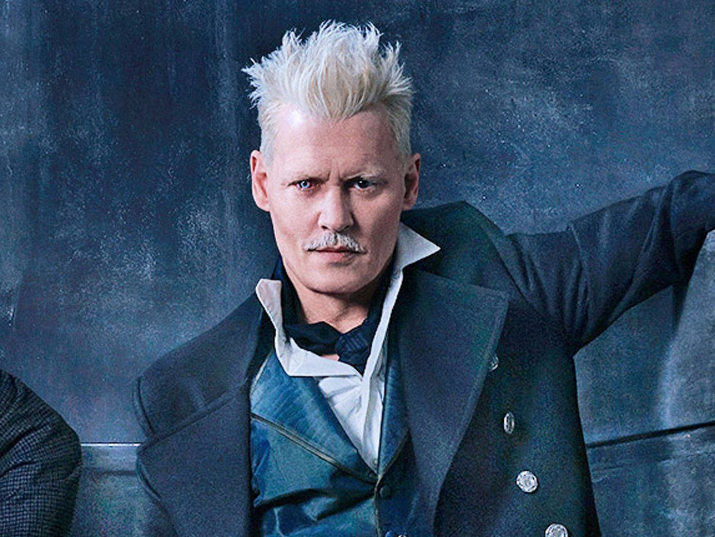 Fantastic Beasts Director Defends Keeping Johnny Depp In The Movie Amid Serious Backlash From Fans It S A Dead Issue Harry Potter Grindelwald Harry Potter Tumblr Fantastic Beasts