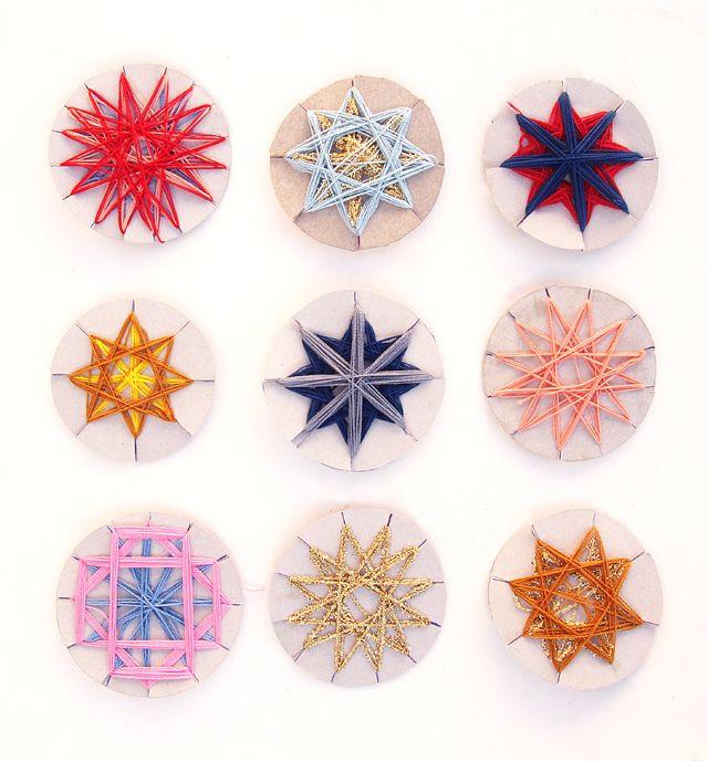 Star String Ornamentshttp://www.creativejewishmom.com/2012/11/geometric-string-craft-stars-make-gorgeous-holiday-decorations.html