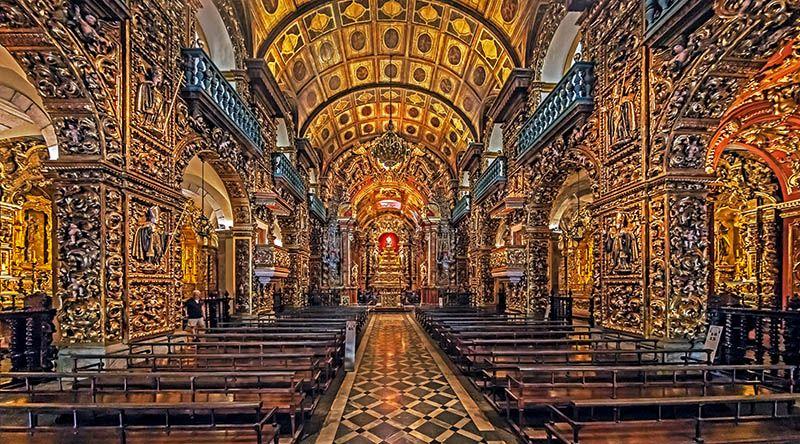 Mosteiro de São Bento visto por dentro