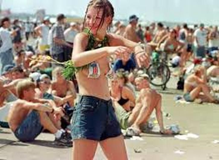 Never Before Seen Images Of Woodstock 1969 You Won't ...