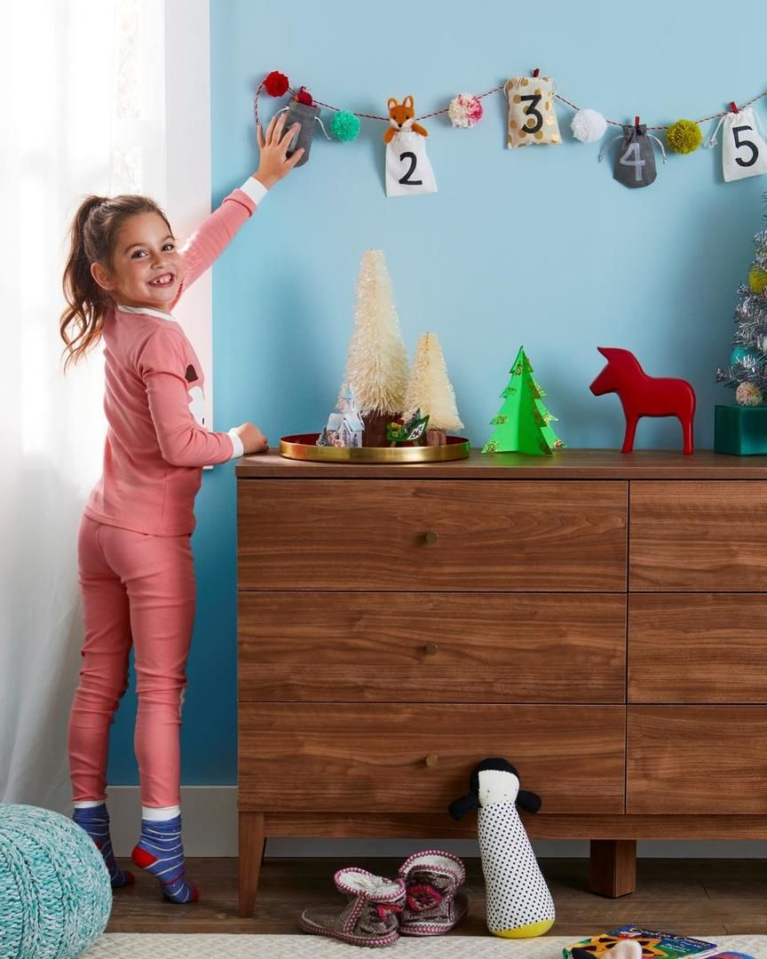 5 DIY Holiday Decorations For Your Kids' Bedrooms