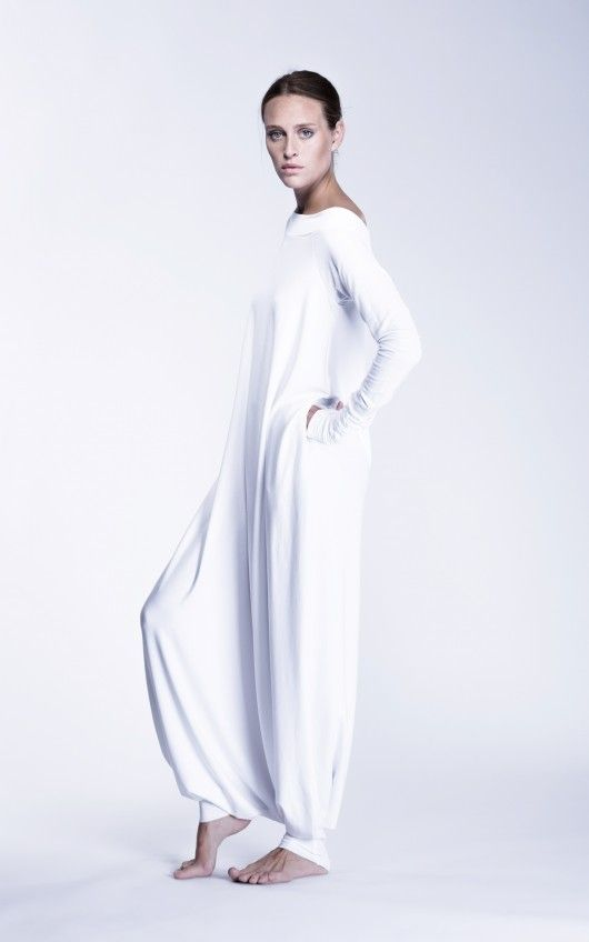 b9064afa4aa Abiti Firmati, Tute Di Moda, Pantaloni Gitani, Abiti Avorio, Moda Hijab,