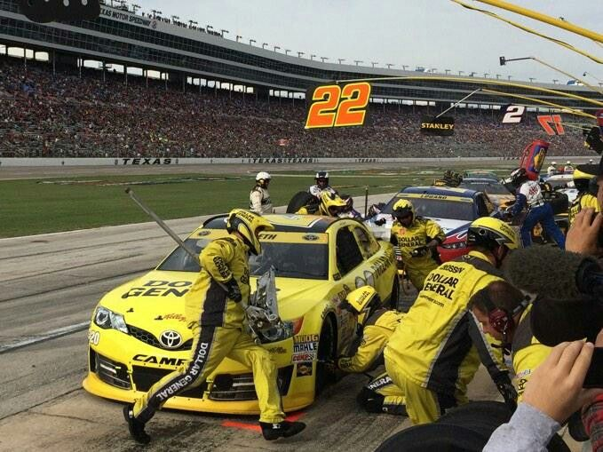 #17 crew at work at AAATEXAS500