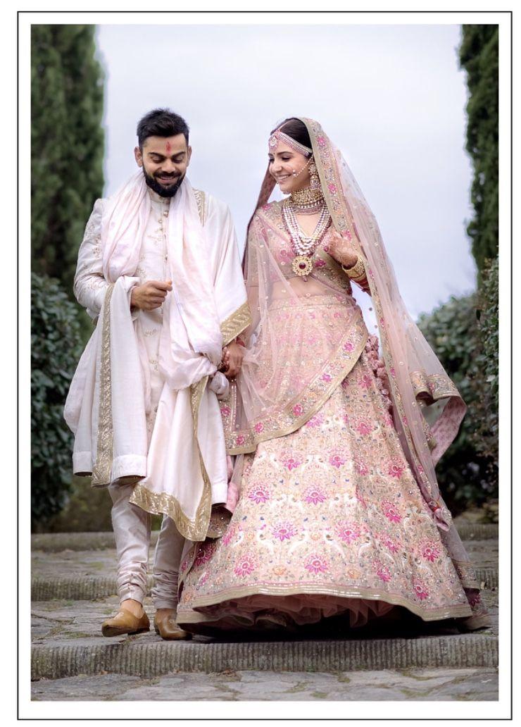 Anushka sharma Sabyasachi bridal look order at the Bollywood closet ...