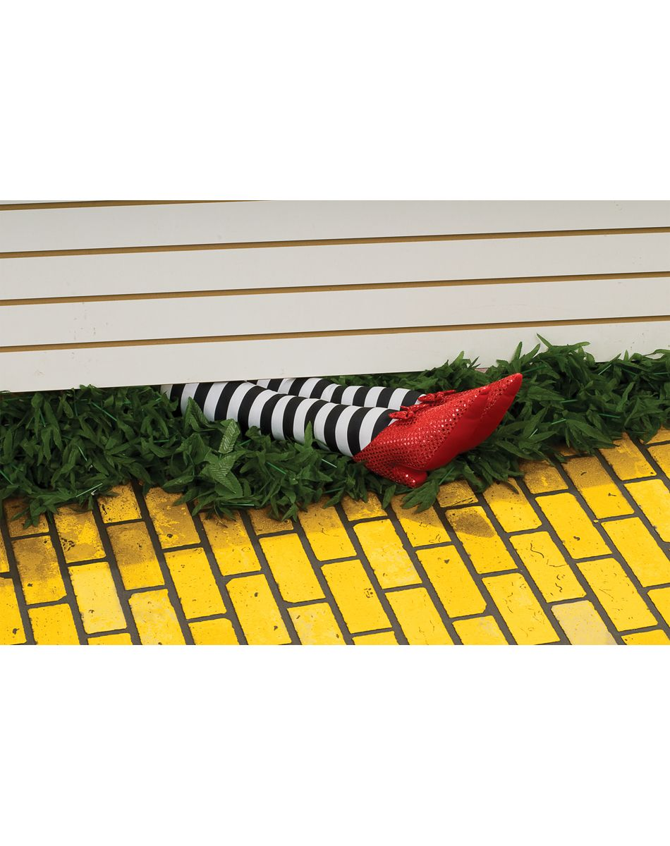 Nancy (scanticvalleyfa) on Pinterest - Wizard Of Oz Halloween Decorations
