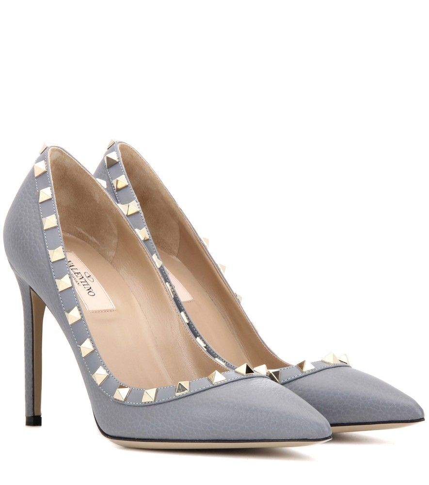 ab9549e0acab Valentino - Valentino Garavani Rockstud leather pumps - Valentino takes the  classic pump silhouette and makes it ultra luxe with a dose of gold-tone  studs.