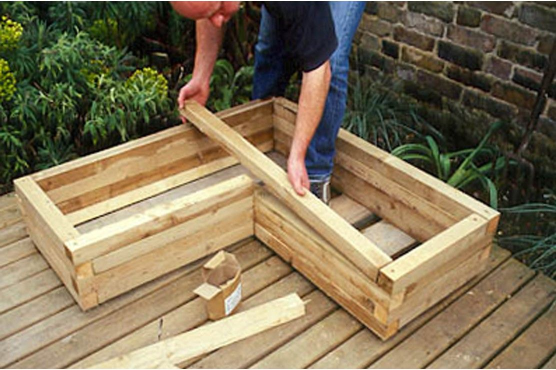 How to make a wooden planter Wooden planters, Diy wooden