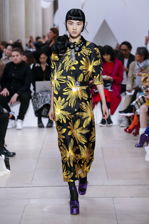 Znalezione obrazy dla zapytania miu miu fashion show 2019