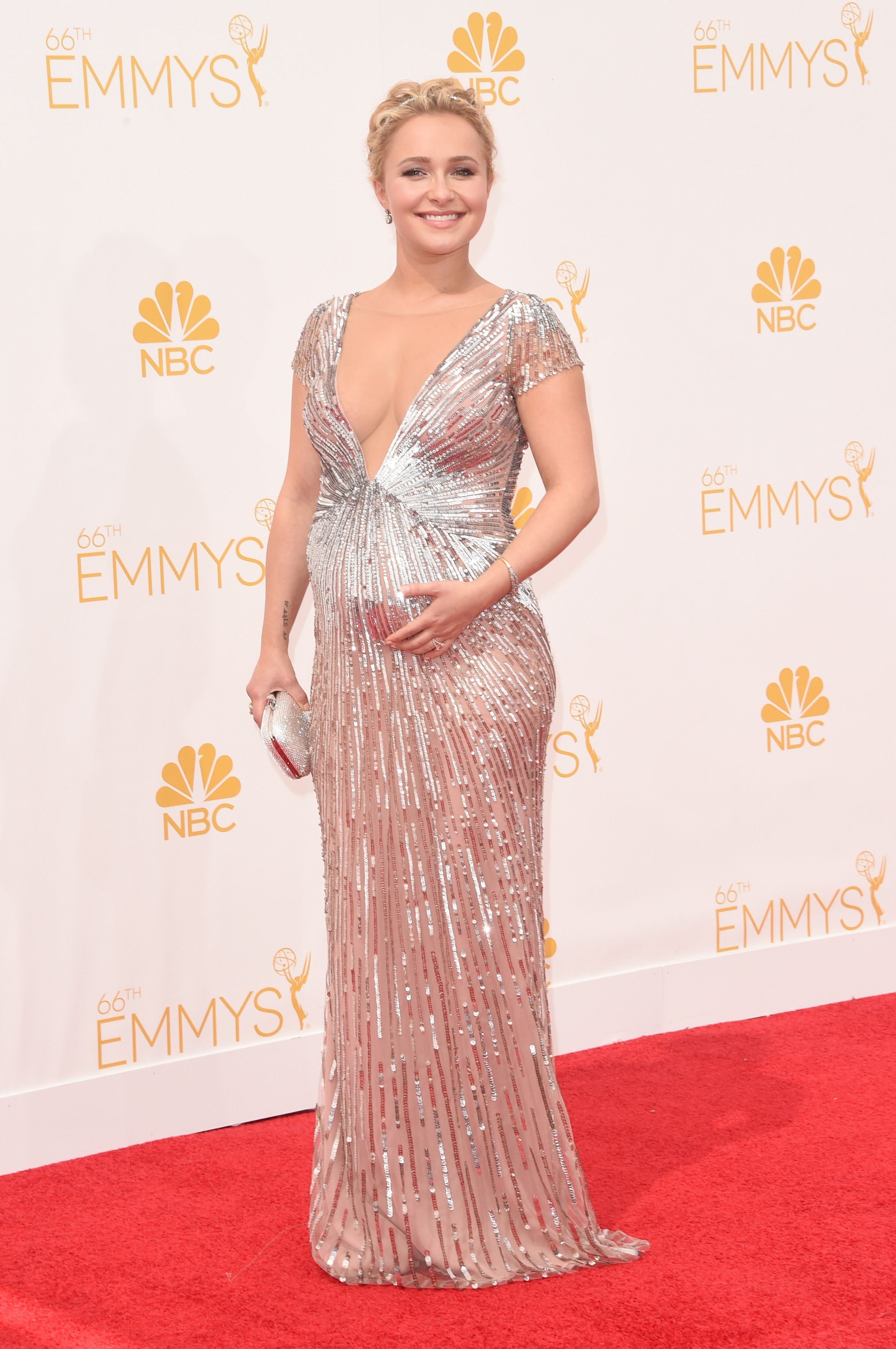 Emmy fashion 2014 best red carpet dresses blogher - Hayden Panettiere In A Lorena Sarbu Dress At The 2014 Primetime Emmy Awards Redcarpet