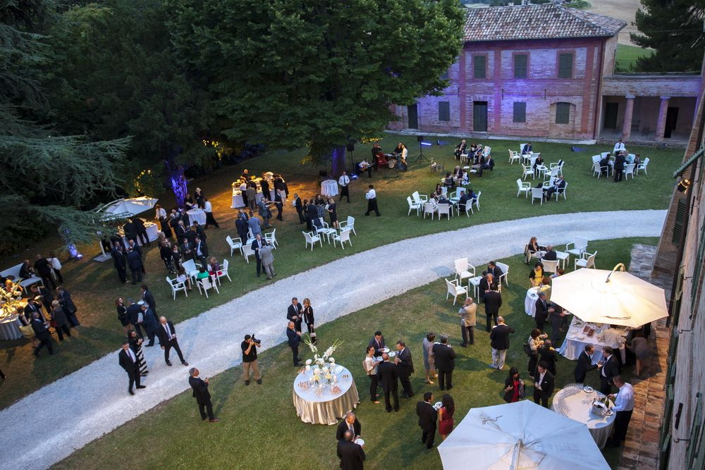 Party in Villa  http://www.villacentofinestre.com/ingHappenings.htm