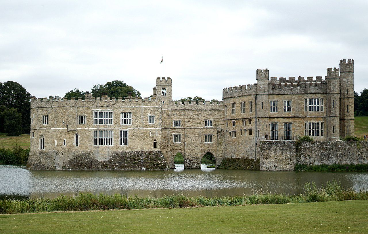 how to go to leeds castle