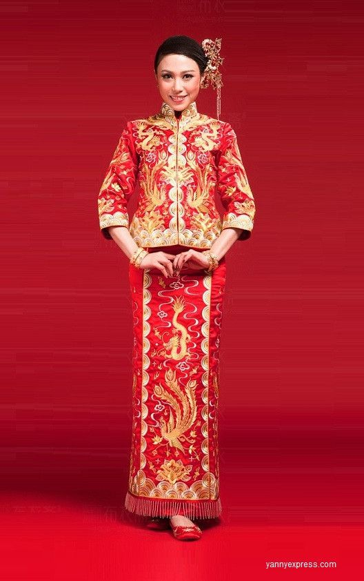 0a1383b3d Chinese Wedding Dress Qun Kwa Bridal Gold Silver Embroidery Gown in ...