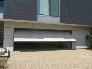 Do You Recognize The Warning Signs Of An Unbalanced Garage Door