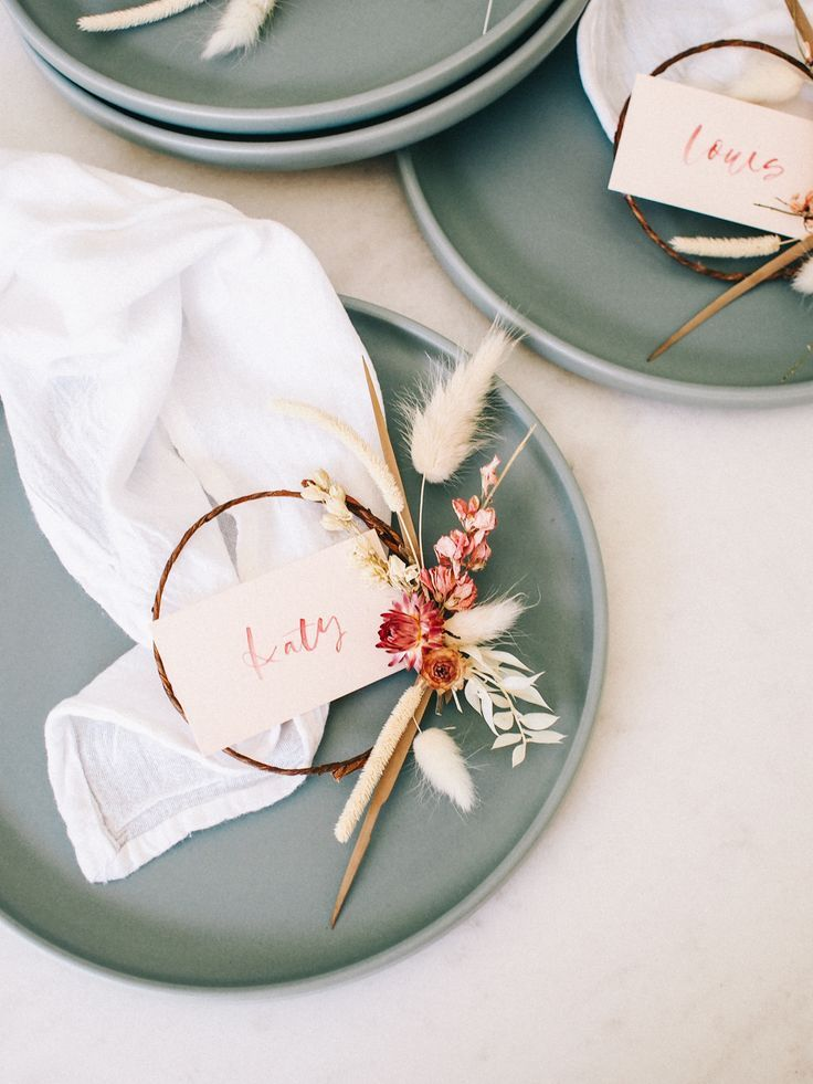 How to Make Mini Dried Floral Wreath Place Cards-Place cards for your event or dinner party can be an easy way to add pretty detail to your tabletop. There is only so much you can do with a centerpiece or the napkin and flatware. Place cards are where you can get really fun and even turn it into a favor your guests can take at the end of the nig. #diyplacecards #placecardideas #tablesetting #floralplacecards #driedfloralplacecards  #colorfultablesettings #falltablesettings