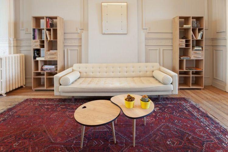 Couchtisch aus Holz für eine moderne  warme Atmosphäre Dekoration