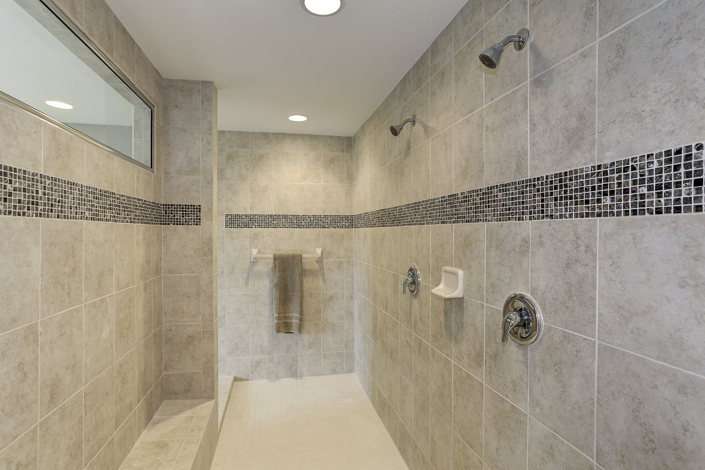 roman shower with granite tile in owner 39 s bathroom the rosecliff ii model at maple valley. Black Bedroom Furniture Sets. Home Design Ideas