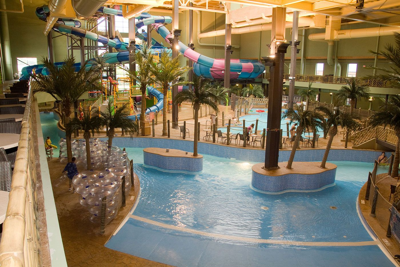Maui Sands Resort  Indoor Waterpark Lazy River  Sandusky