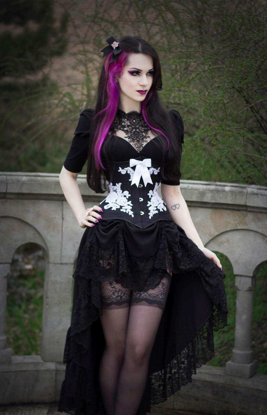Milena Grbovic | Grufti-kleid, Gothic mode, Modestil