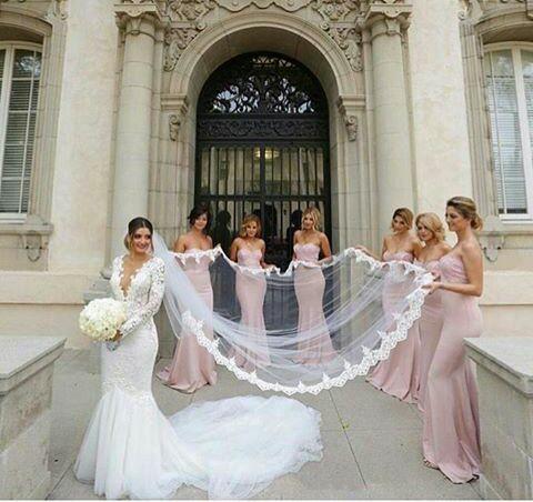 Boda ideal, fotos de bodas. Damas de honor y la novia  – Boda