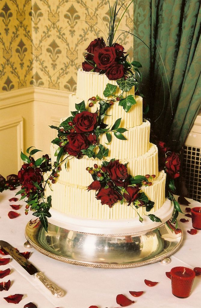 CHOCOLATE WEDDING CAKE GRIMSBY | Recepty na vyzkoušení | Pinterest ...