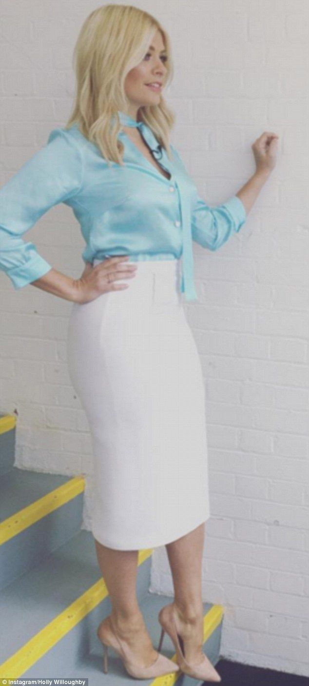 Holly Willoughby Wears Roland Mouret Skirt Six Times In 10