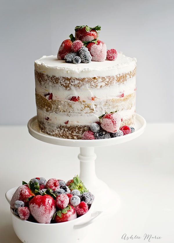 A quick and easy layered summer cake with candied strawberries and ...