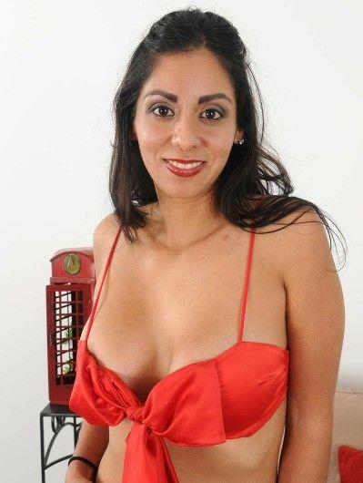 Bianca Mendoza Nude Photos 10