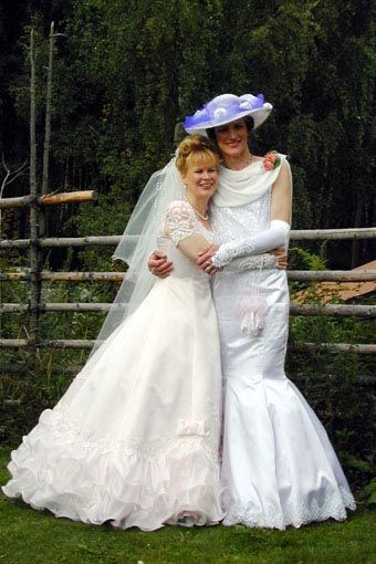 Brides Is The Right Place 32
