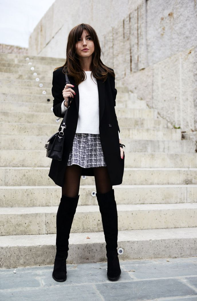 Skirt And Boots Outfit | Frauen blazer outfit, Schwarzes